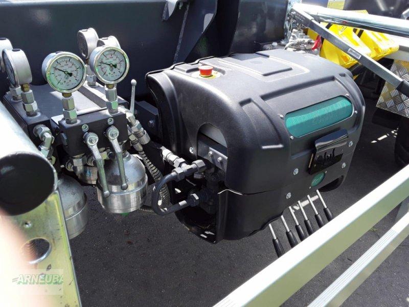 Abrollcontainer des Typs B.O.B. ITRK 26.33 HD, Vorführmaschine in Schlettau (Bild 11)