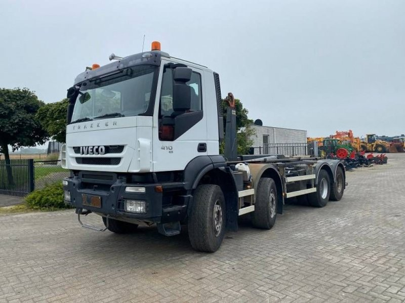 Abrollcontainer типа Iveco Trakker 340 T, Gebrauchtmaschine в Roosendaal (Фотография 1)