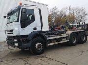 Abrollcontainer des Typs Iveco Trakker 380TD45 Euro5, Gebrauchtmaschine in Leende