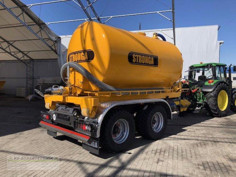 Abrollcontainer des Typs Stronga SuperTanka Hakenlift Abrollcontainer Wasserfaß, Neumaschine in Langensendelbach (Bild 1)