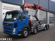 Abrollcontainer typu Volvo FM 370 8x2 Euro 5 Fassi 25 ton/meter laadkraan, Gebrauchtmaschine w ANDELST