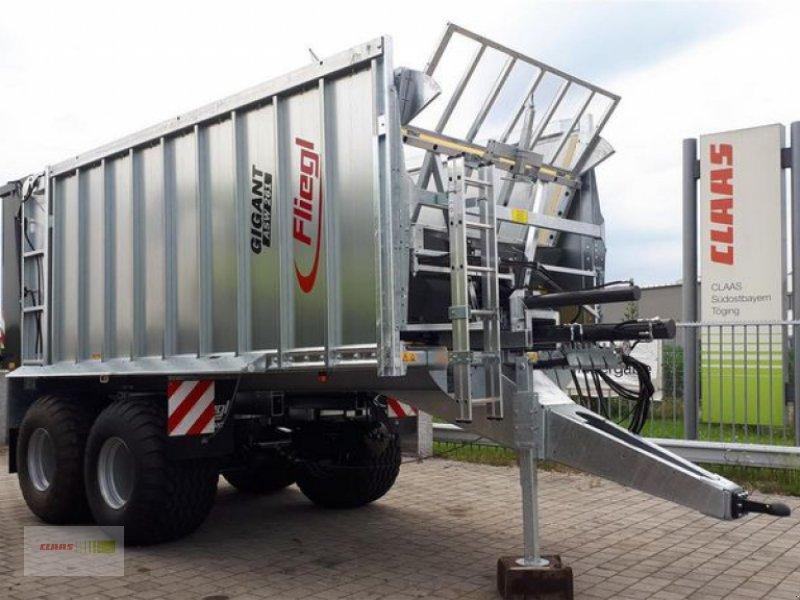 Abschiebewagen des Typs Fliegl ASW 261 COMPACT FOX, Neumaschine in Töging am Inn (Bild 2)