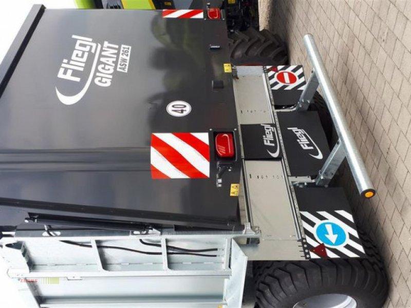 Abschiebewagen des Typs Fliegl ASW 261 COMPACT FOX, Neumaschine in Töging am Inn (Bild 6)