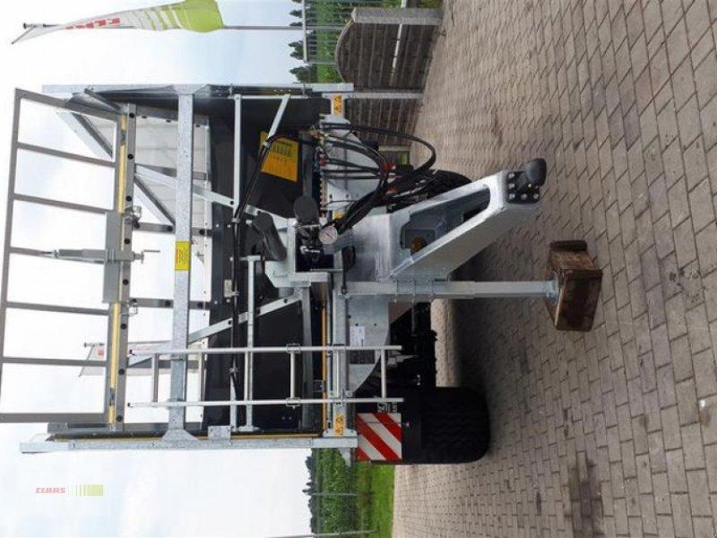 Abschiebewagen des Typs Fliegl ASW 261 COMPACT FOX, Neumaschine in Töging am Inn (Bild 4)