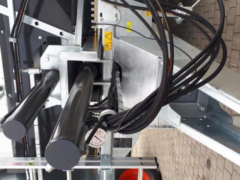 Abschiebewagen des Typs Fliegl ASW 261 COMPACT FOX, Neumaschine in Töging am Inn (Bild 11)