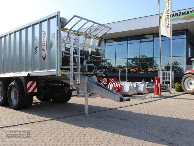 Abschiebewagen des Typs Fliegl ASW 261 Gigant, Neumaschine in Gampern (Bild 1)