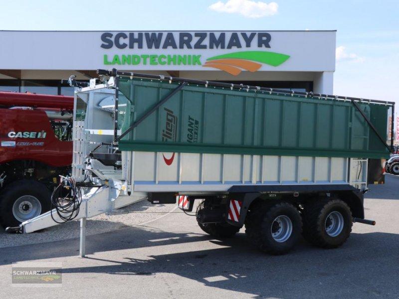 Abschiebewagen des Typs Fliegl ASW 271 Gigant, Neumaschine in Aurolzmünster (Bild 1)