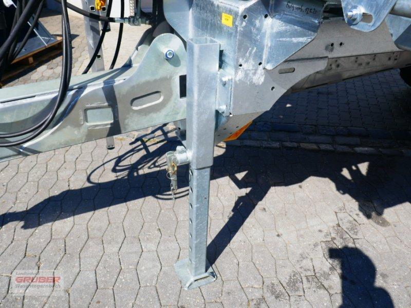 Abschiebewagen des Typs Fliegl ASW 281 Taurus / 23to / Brücke: 8,10m, Neumaschine in Dorfen (Bild 10)