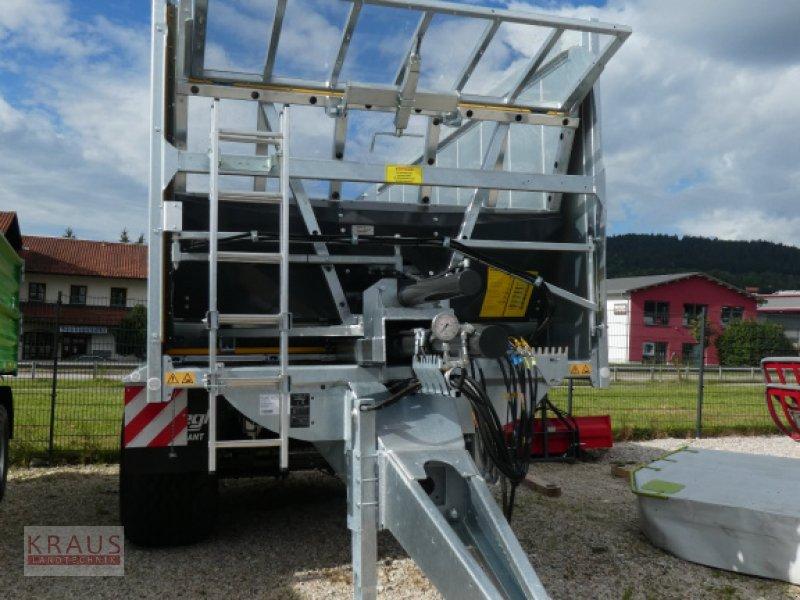 Abschiebewagen des Typs Fliegl Gigant ASW 261, Neumaschine in Geiersthal (Bild 1)