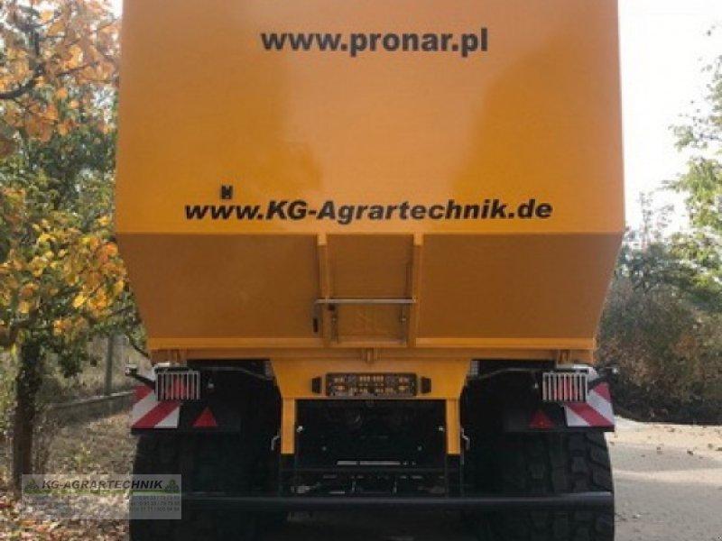 Abschiebewagen des Typs PRONAR T900 KG-EDITION, Neumaschine in Langensendelbach (Bild 11)