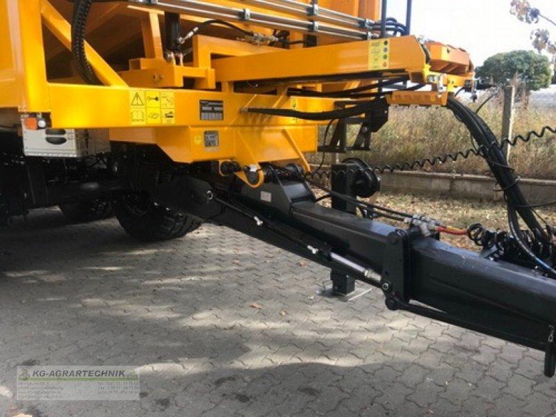 Abschiebewagen des Typs PRONAR T900 KG-EDITION, Neumaschine in Langensendelbach (Bild 13)
