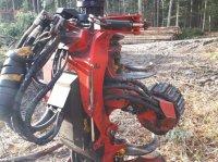 SP Maskiner 561 aggregátoros/függesztett fafeldogozók