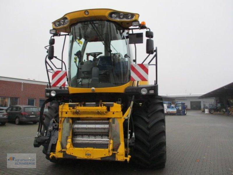 Anbauhäcksler & Anhängehäcksler des Typs New Holland FR 700, Vorführmaschine in Altenberge (Bild 1)