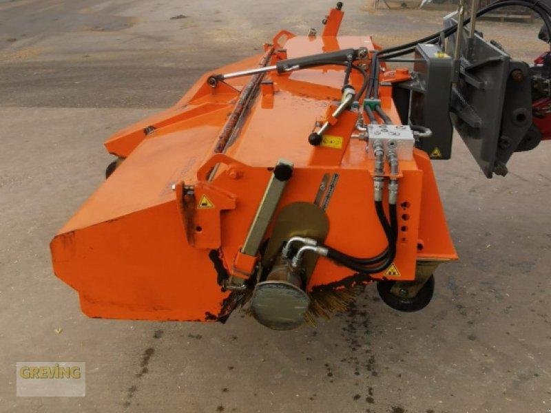 Anbaukehrmaschine des Typs Bema 30 Dual, Gebrauchtmaschine in Nottuln (Bild 1)