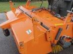 Anbaukehrmaschine des Typs Bema 30 Dual v Suedbayern