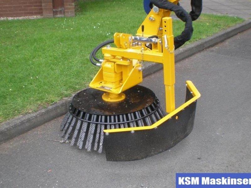 Anbaukehrmaschine типа Bomford Weed Brush, Gebrauchtmaschine в Ullerslev (Фотография 1)