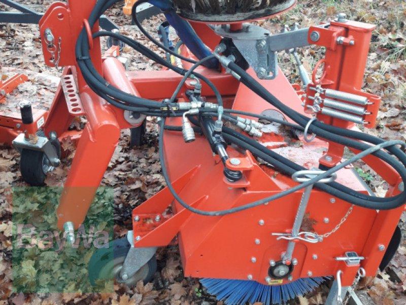 Anbaukehrmaschine des Typs Dücker HDK 1300, Gebrauchtmaschine in Feldkirchen (Bild 2)