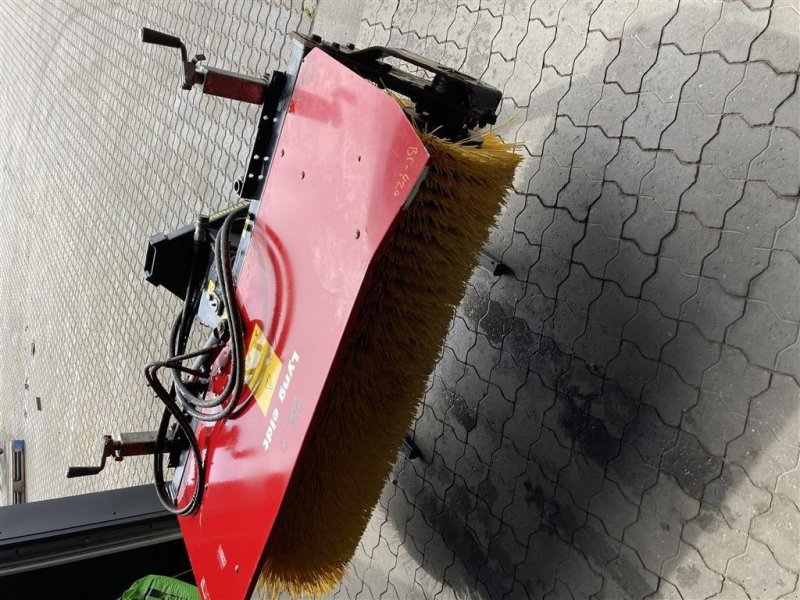 Anbaukehrmaschine типа GMR HF 1500 Hf1500mfb, Gebrauchtmaschine в Tilst (Фотография 1)