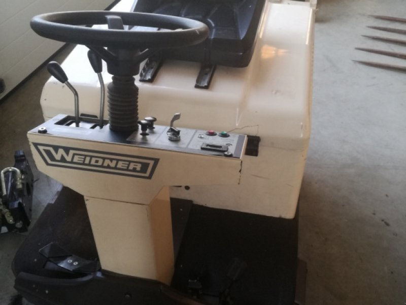 Anbaukehrmaschine типа Hako Kehrmaschine, Gebrauchtmaschine в Nittenau (Фотография 1)
