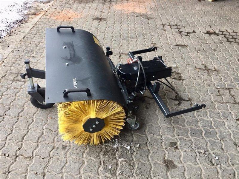 Anbaukehrmaschine типа Stiga PARK KOST, Gebrauchtmaschine в Tinglev (Фотография 1)