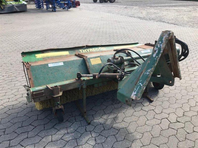 Anbaukehrmaschine typu Thyregod Hydraulisk trukket kost, med hydraulisk sving., Gebrauchtmaschine v Ribe (Obrázok 4)