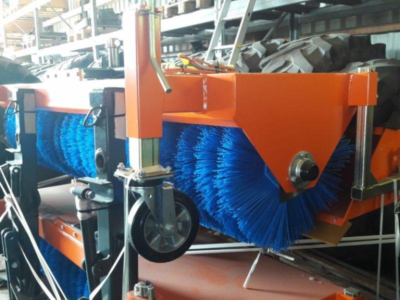 Anbaukehrmaschine des Typs Tuchel EKM 520-230 HDS, Neumaschine in Donaueschingen (Bild 1)