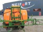 Anbauspritze des Typs Amazone UF 1200 in Daegeling