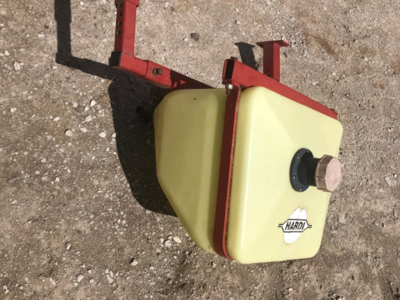 Anbauspritze des Typs Hardi Hardi Frischwasserbehälter für NX und andere, Gebrauchtmaschine in Vestenbergsgreuth (Bild 1)
