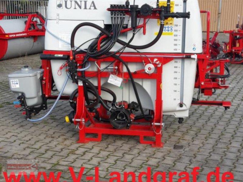 Anhängespritze des Typs Unia EKO 815, Neumaschine in Ostheim/Rhön (Bild 1)