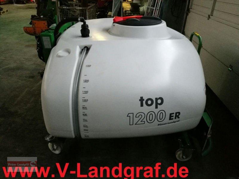 Anhängespritze des Typs Unia Top E Fronttank, Neumaschine in Ostheim/Rhön (Bild 1)