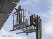 Arbeitsbühne des Typs Fliegl Arbeitsbühne NIEDRIG für Stapler/Palettengabel, Neumaschine in Ansbach