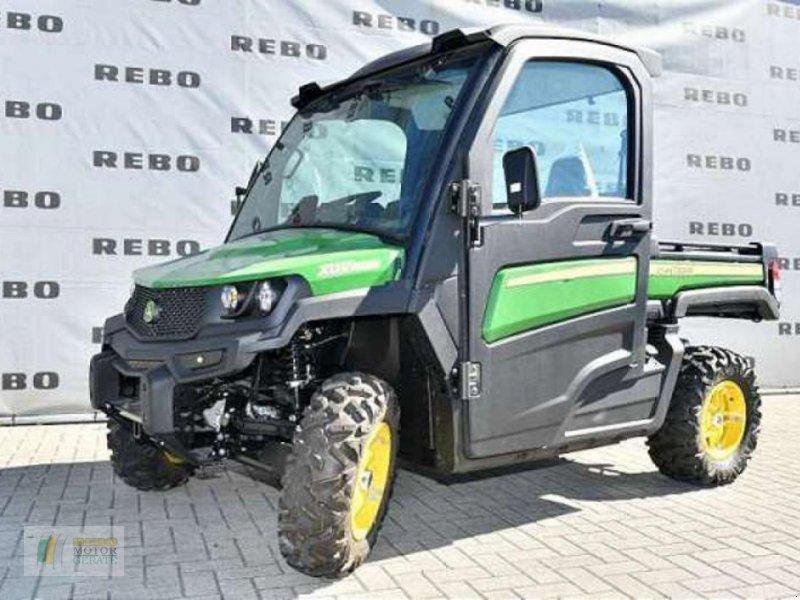 ATV & Quad des Typs John Deere GATOR? XUV835M DACH/, Neumaschine in Cloppenburg (Bild 1)