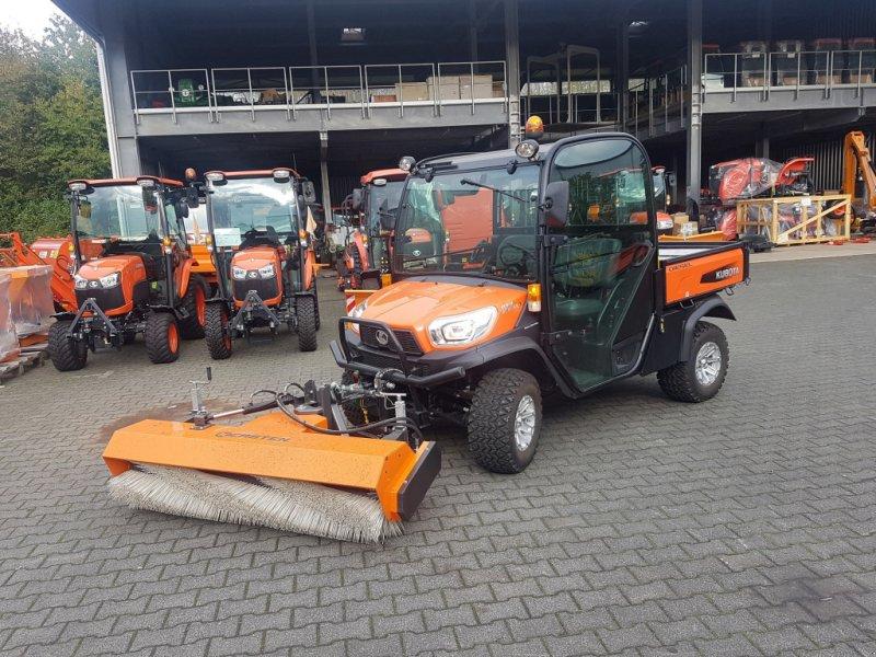 ATV & Quad des Typs Kubota RTVX 1110 mit Frontkehrmaschine, Neumaschine in Olpe (Bild 1)