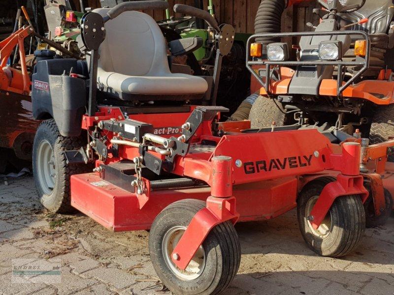 Aufsitzmäher типа Gravely Compact Pro 34 Z, Gebrauchtmaschine в Pleidelsheim (Фотография 1)