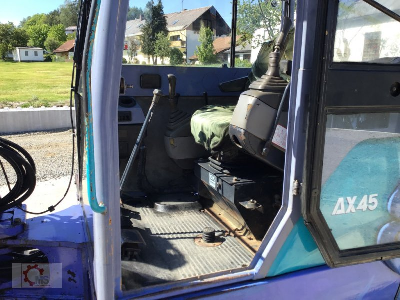 Bagger des Typs Hitachi AX 45-2, Gebrauchtmaschine in Tiefenbach (Bild 4)