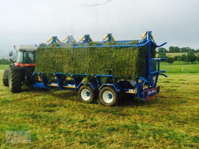 Ballensammelwagen des Typs A. Wilson Engineering Square Move Ballenwagen, Neumaschine in Südbrookmerland (Bild 1)
