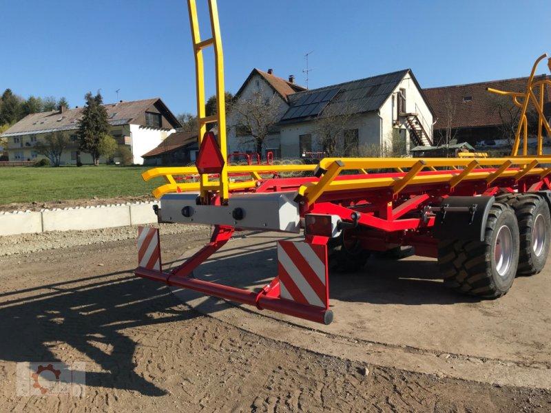 Ballensammelwagen des Typs Kobzarenko PT-21 Selbstlader Ballenwagen, Neumaschine in Tiefenbach (Bild 11)