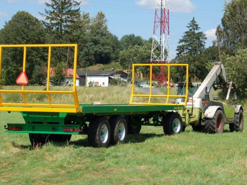 Ballensammelwagen des Typs Metaltech PB 16, Neumaschine in Siekierczyn (Bild 1)