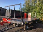 PRONAR T022 vehicul colectare baloti