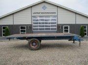 Universal 6 meters bálagyűjtő kocsi