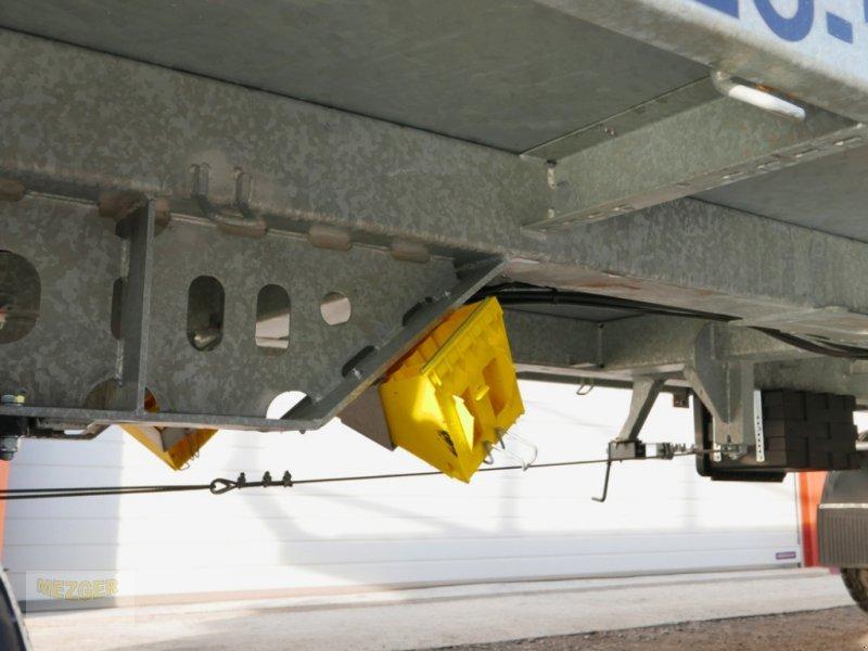 Ballentransportwagen des Typs CYNKOMET Ballenwagen 14 t (T608/2 EU) 9,27 m, Neumaschine in Ditzingen (Bild 13)
