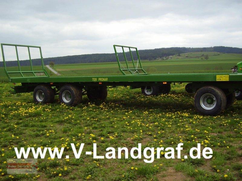 Ballentransportwagen des Typs PRONAR T 026, Neumaschine in Ostheim/Rhön (Bild 1)