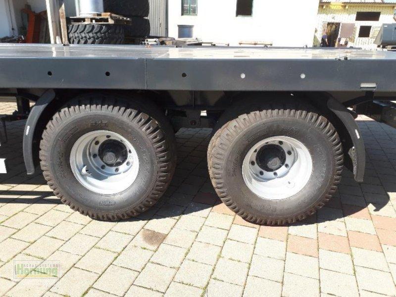 Ballentransportwagen des Typs WIELTON PRS 18, Vorführmaschine in Unterschneidheim-Zöb (Bild 4)