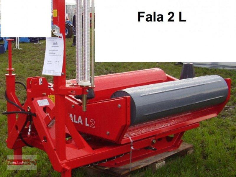 Ballenwickler des Typs Unia FALA L, Neumaschine in Ostheim/Rhön (Bild 1)