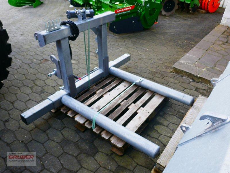 Ballenzange typu Fliegl Compact-Combi Rundballenaufnahme, Neumaschine v Dorfen (Obrázok 2)