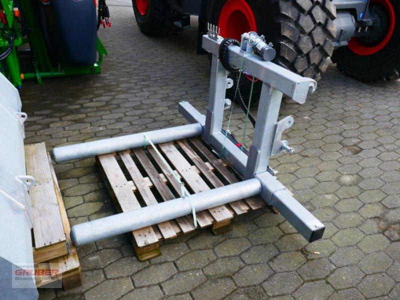 Ballenzange typu Fliegl Compact-Combi Rundballenaufnahme, Neumaschine v Dorfen (Obrázok 1)