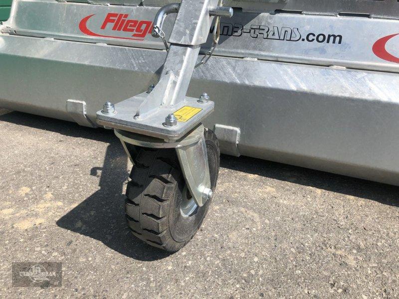 Ballenzange typu Fliegl KEH 500 Kehrbesen/Kehrmaschine EURO, Gebrauchtmaschine v Rankweil (Obrázok 3)