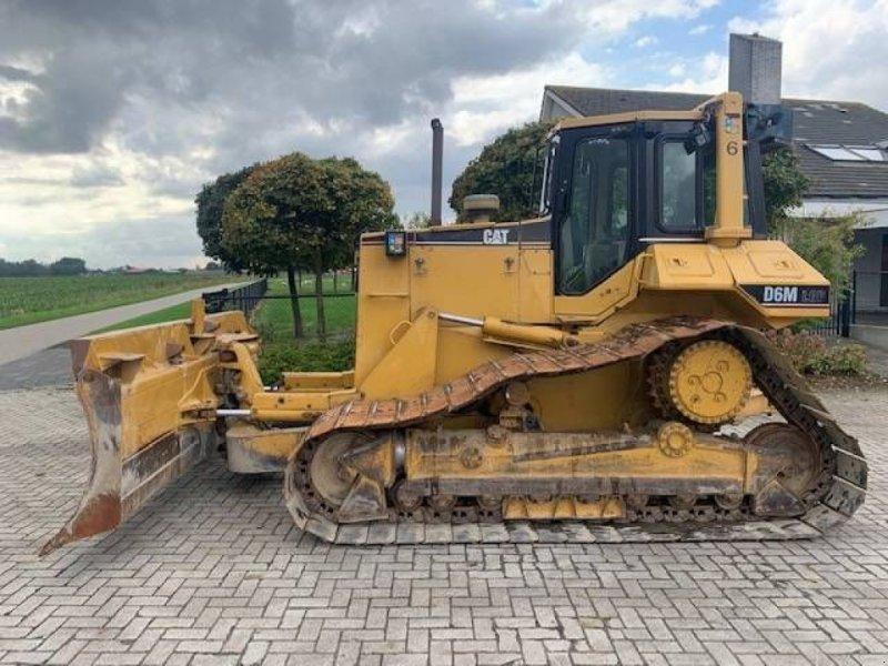 Bulldozer des Typs Caterpillar D 6 M LGP, Gebrauchtmaschine in Roosendaal (Bild 1)