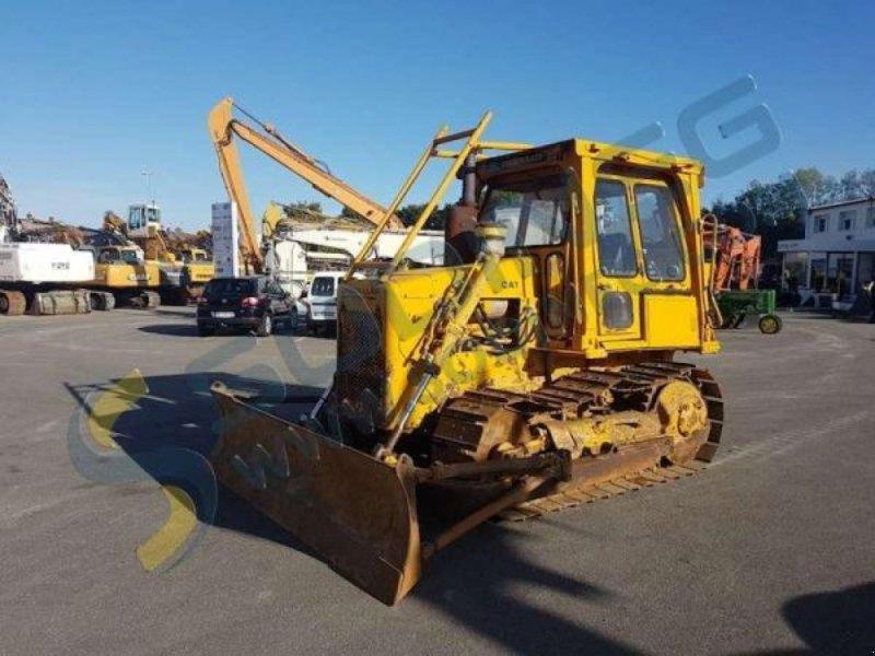 Bulldozer типа Caterpillar D4E, Gebrauchtmaschine в NEUVILLE SAINT AMAND (Фотография 1)