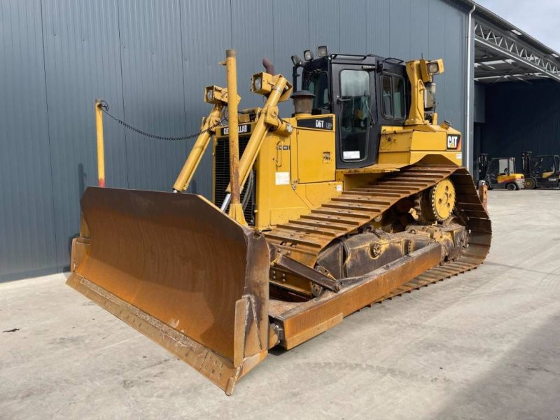 Bulldozer des Typs Caterpillar D6T LGP, Gebrauchtmaschine in Venlo (Bild 1)